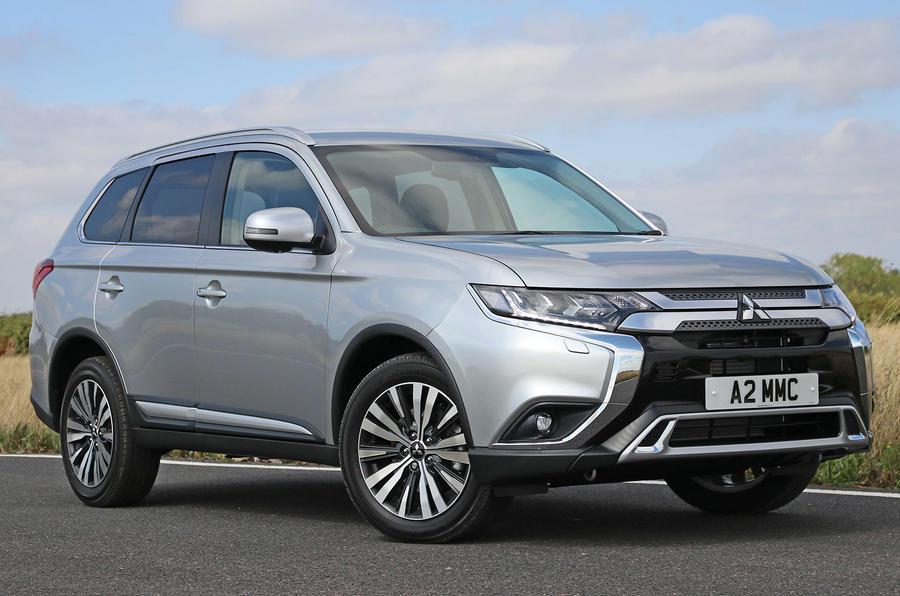 Mitsubishi Outlander adds petrol option