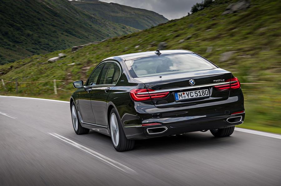 BMW 740Le xDrive rear