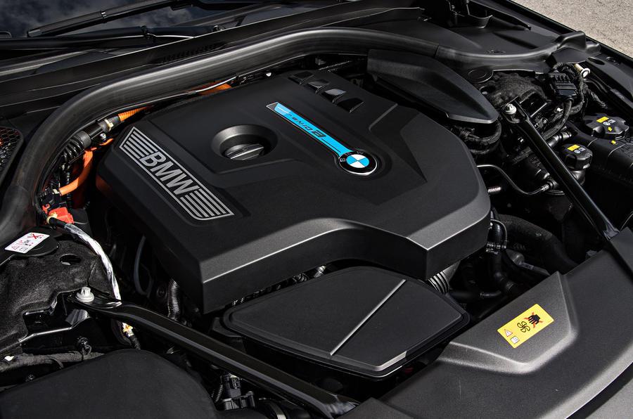 BMW 740Le xDrive hybrid engine