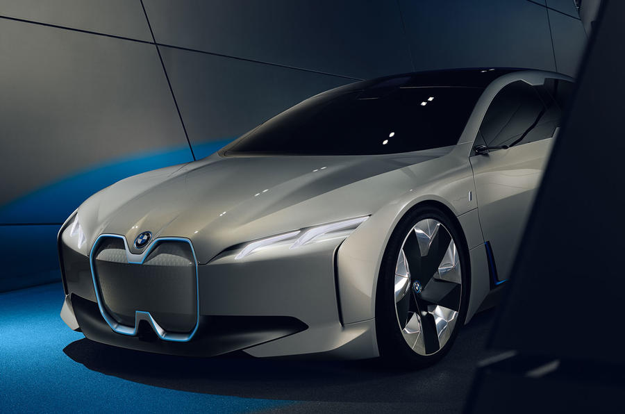 BMW i Vision Dynamics previews i5 production EV