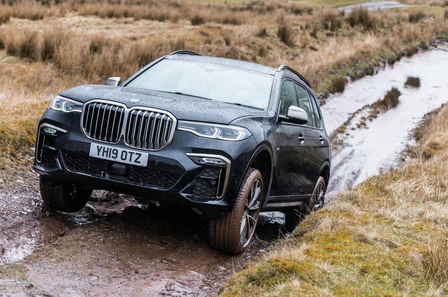 BMW X7 30d M Sport 2019 UK review - hill front