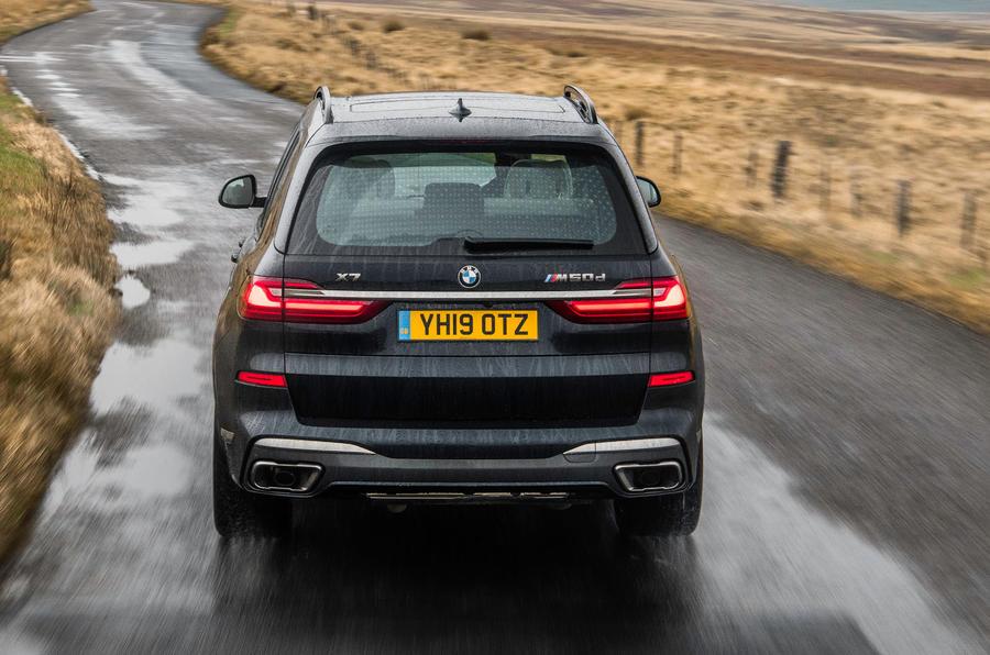 BMW X7 30d M Sport 2019 UK review - rear motion