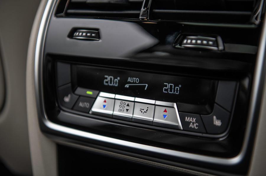BMW X7 30d M Sport 2019 UK review - centre console