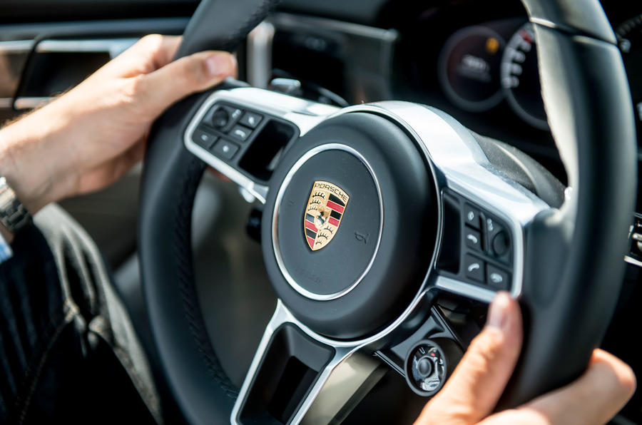 Porsche Panamera Turbo steering wheel
