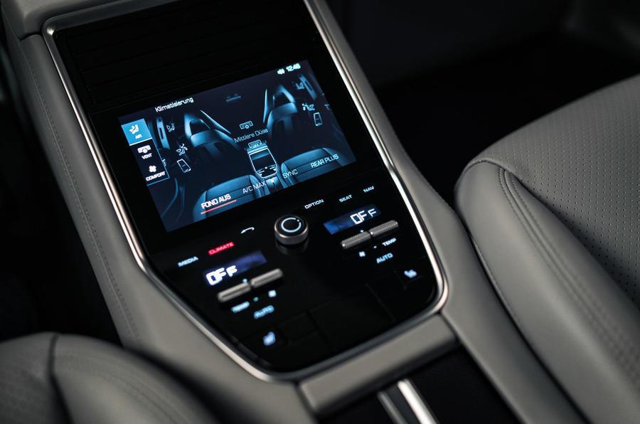 Porsche Panamera Turbo centre console