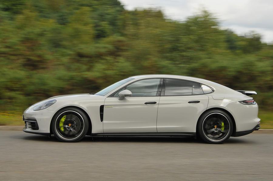 Porsche Panamera 4 E-Hybrid side profile