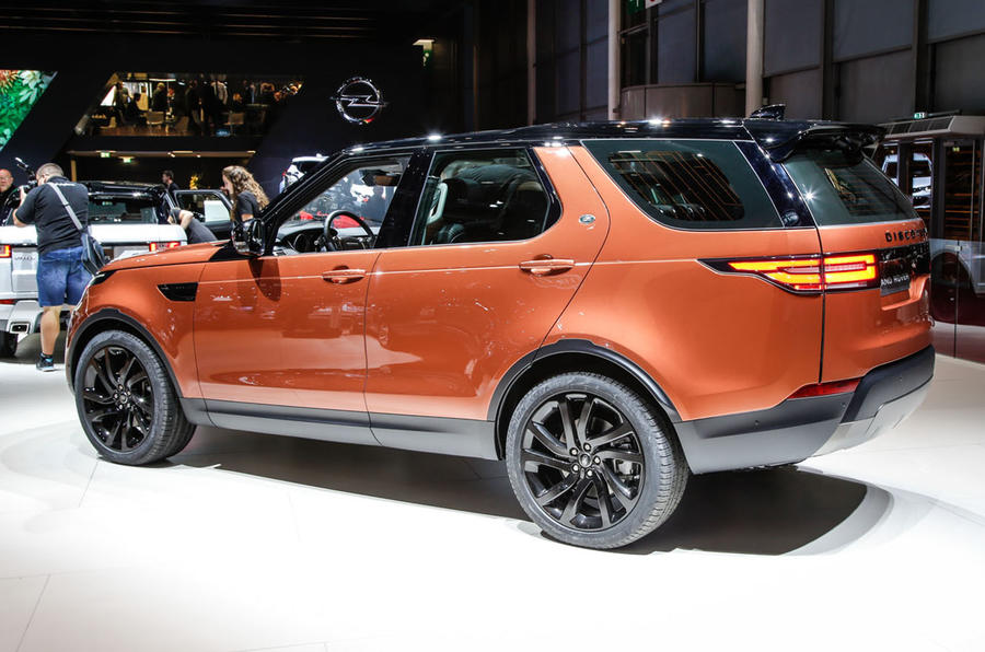 Land Rover Discovery at the Paris motor show 2016 - show report and gallery