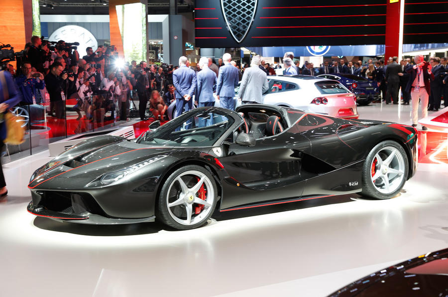 LaFerrari Aperta at the Paris motor show 2016 - show report and gallery