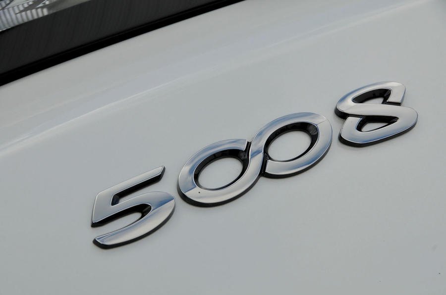 Peugeot 5008 badging