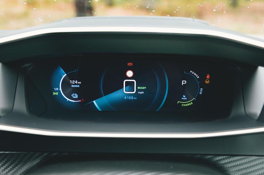 Britain's Best Car Awards 2020 - Peugeot e-208 - instruments