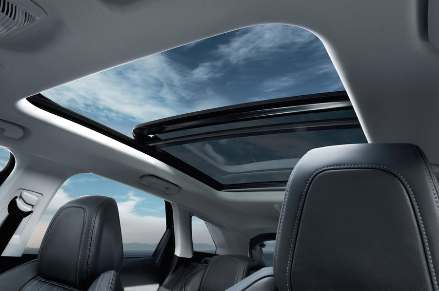 Peugeot 3008 panoramic sunroof