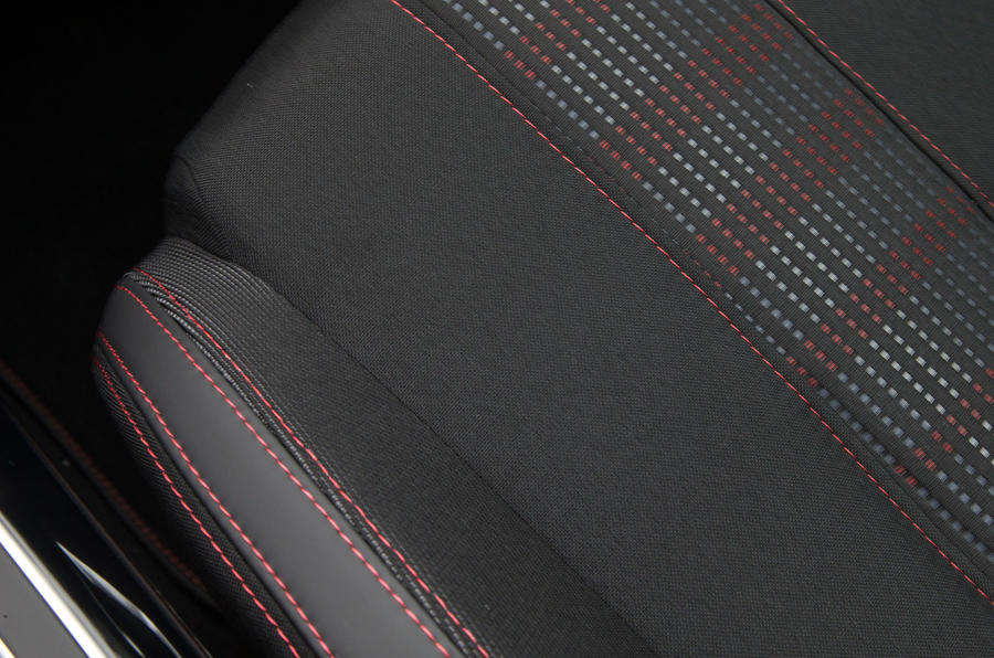 Peugeot 308 part-leather stitched seats