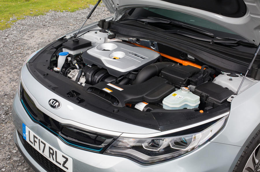 Kia Optima PHEV engine bay