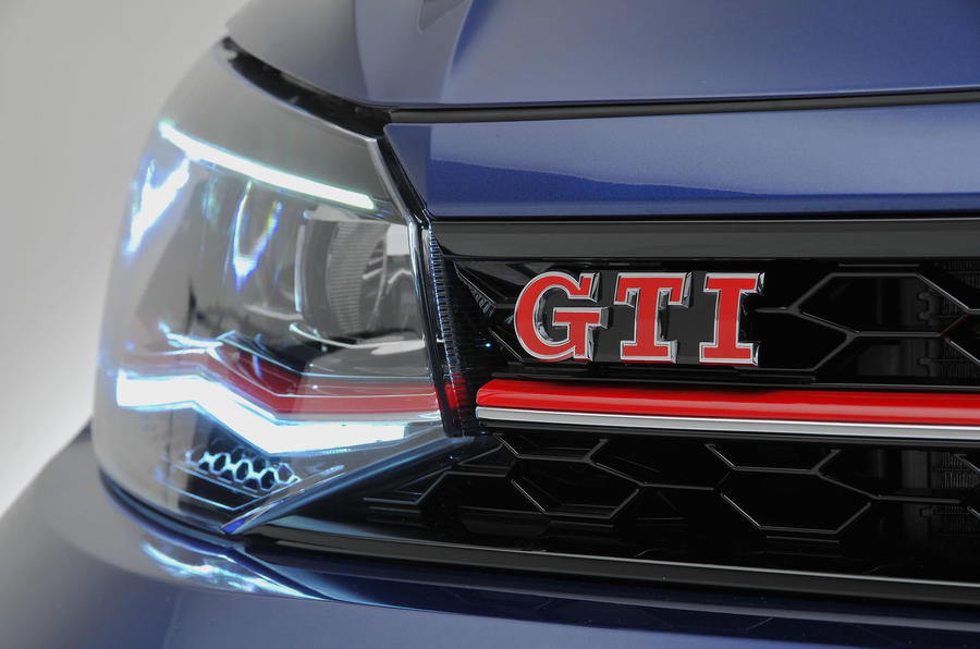 new volkswagen polo gti 39 more agile 39 than golf gti plus exclusive images autocar. Black Bedroom Furniture Sets. Home Design Ideas