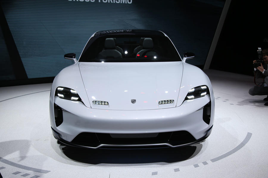 Porsche Mission E Cross Turismo previews 2021 production crossover