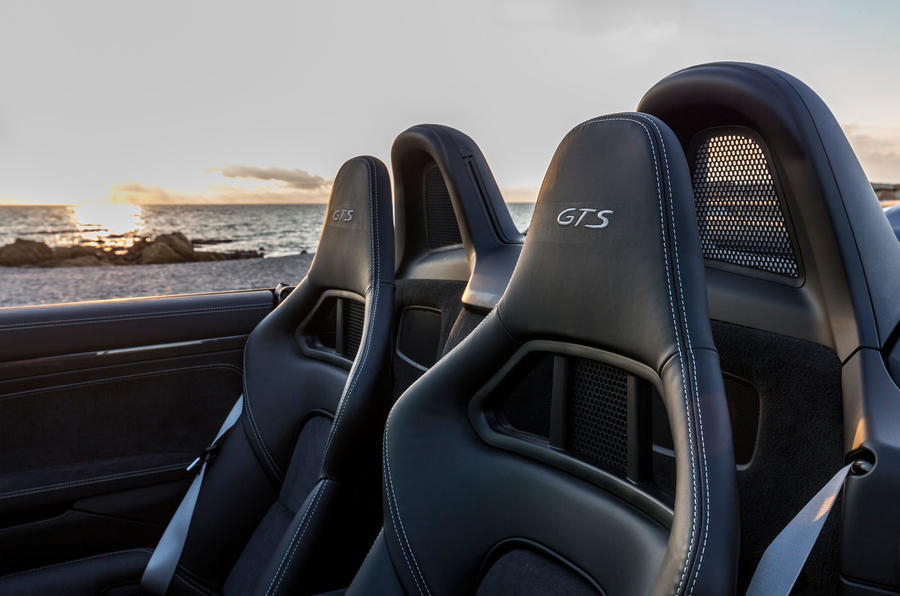 Porsche 718 Boxster GTS bucket seats