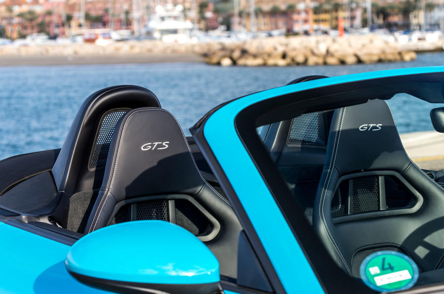 Porsche 718 Boxster GTS wing mirror