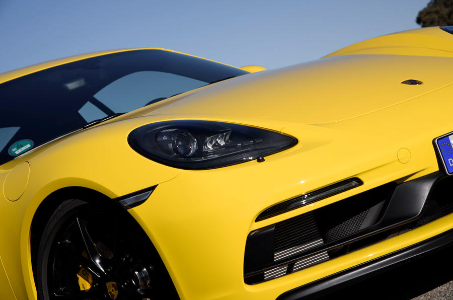 Porsche 718 Cayman GTS headlights