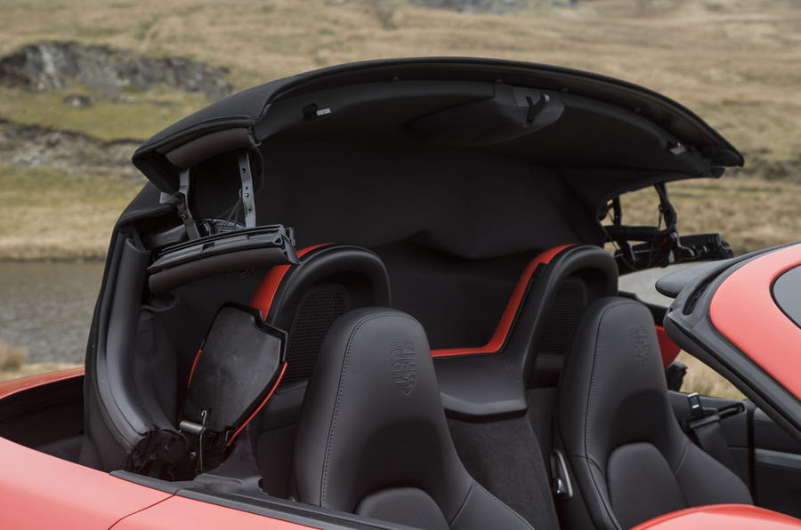 Porsche 718 Boxster folding roof