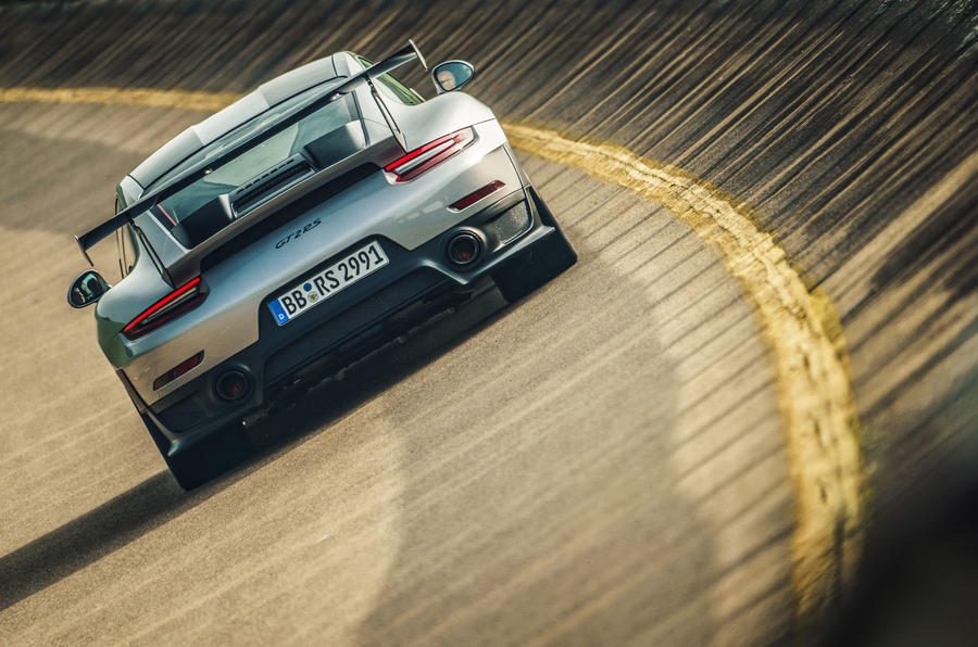 Porsche 911 GT2 RS rear bowl
