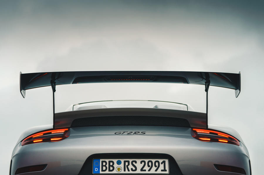 Porsche 911 GT2 RS tail-lights