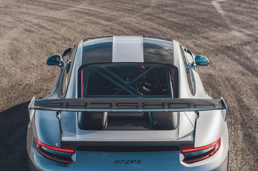 Porsche 911 GT2 RS rear quarter