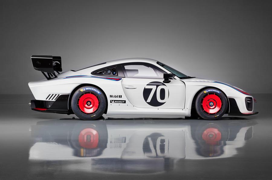 Porsche 935 race car 2018 reveal side