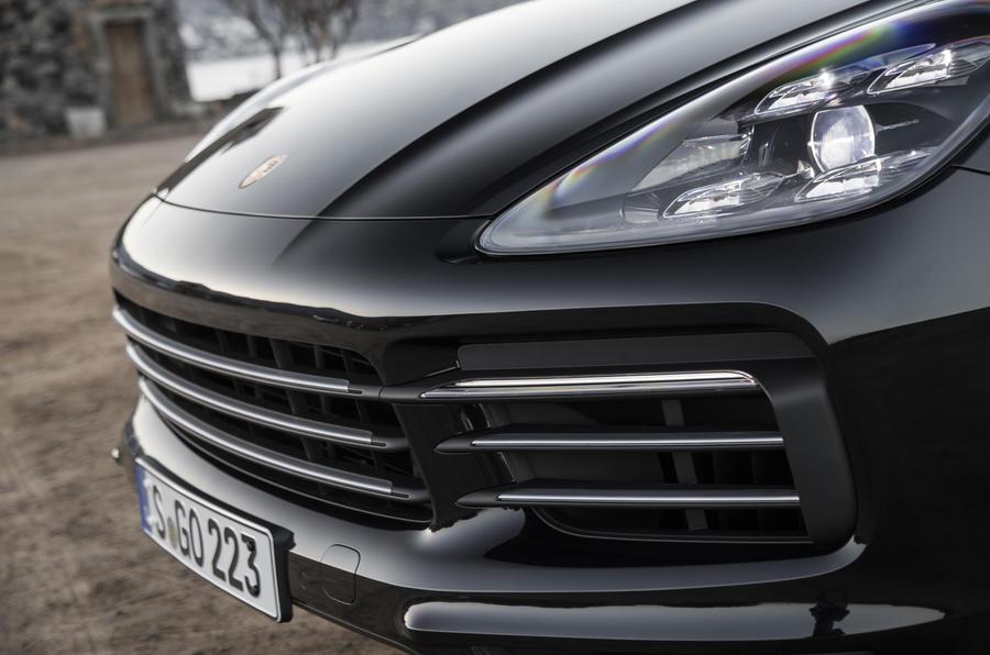 Porsche Cayenne S front grille
