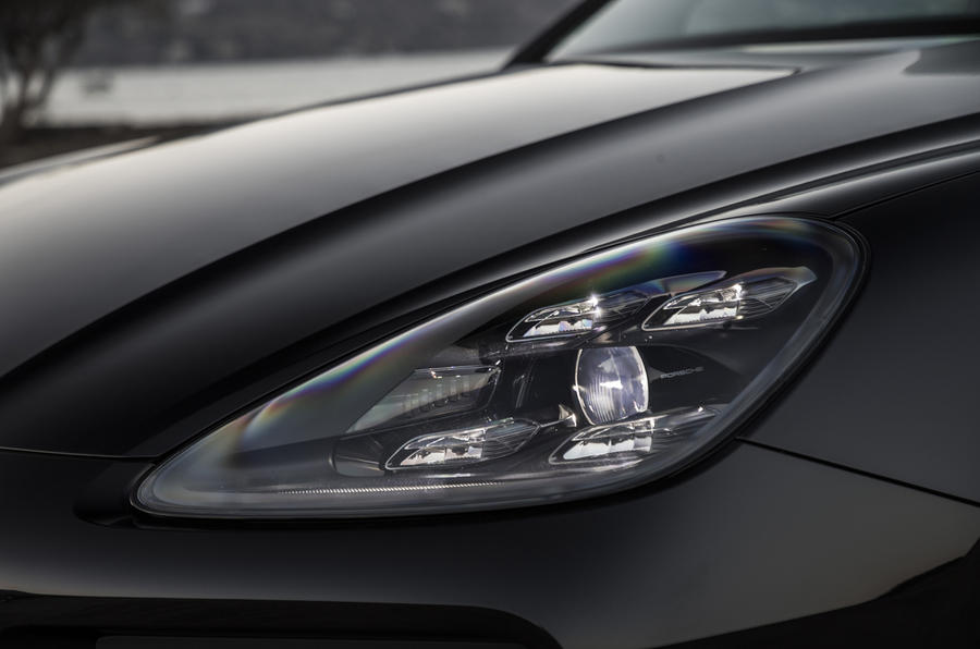 Porsche Cayenne S LED headlights