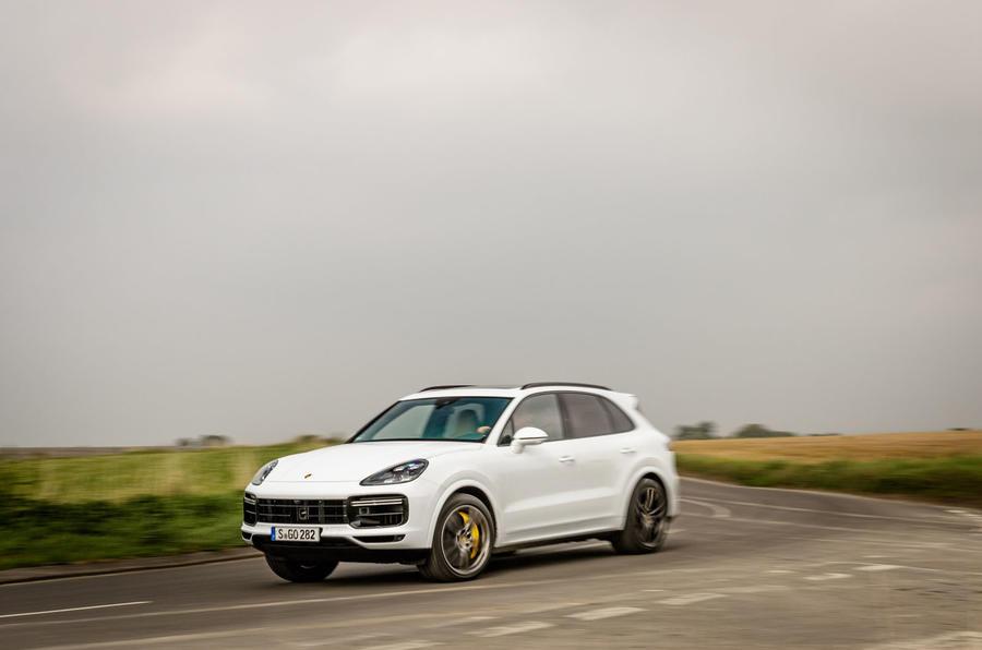 Porsche Cayenne Turbo cornering