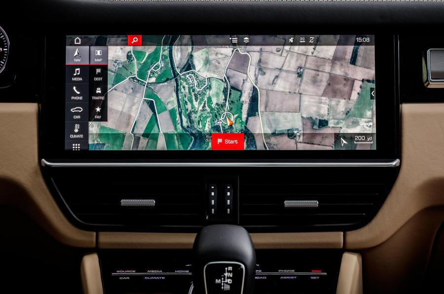 Porsche Cayenne Turbo infotainment system
