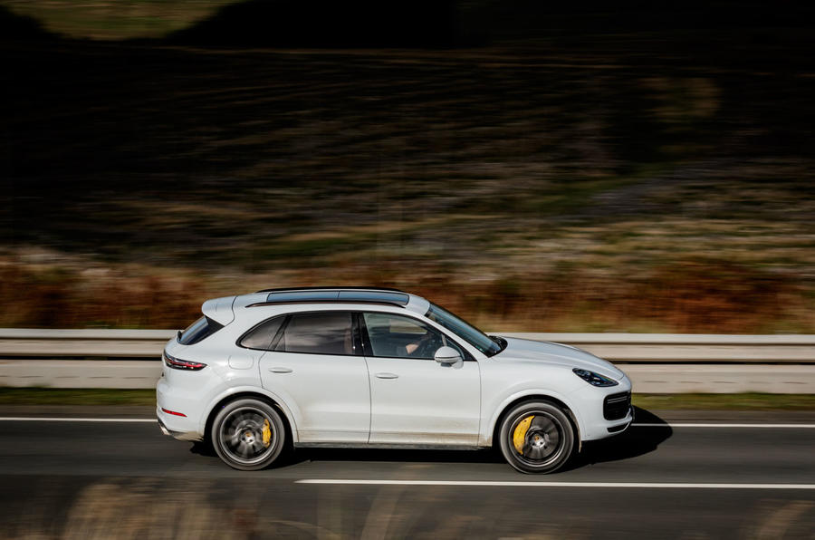 Porsche Cayenne Turbo side profile