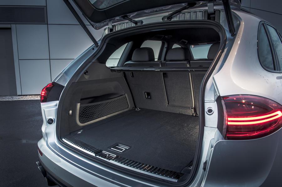Porsche Cayenne S boot space