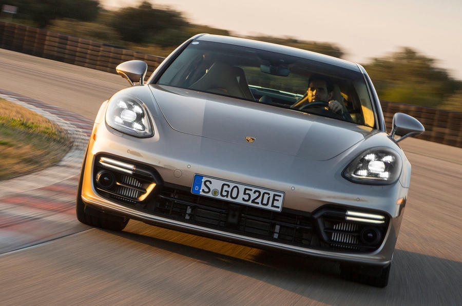 2017 Porsche Panamera Turbo S E-Hybrid headlights