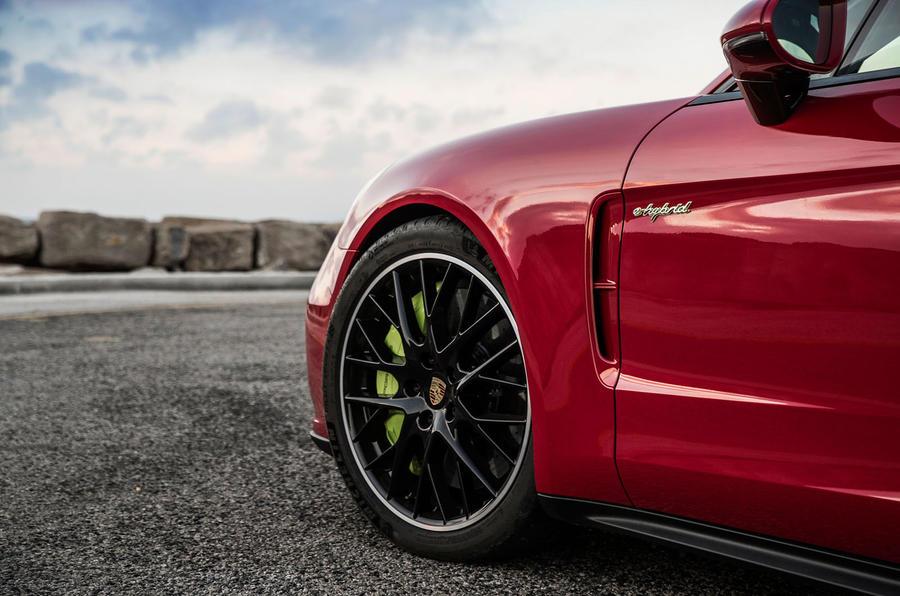 Porsche Panamera Turbo S E-Hybrid Sport Turismo brake vents