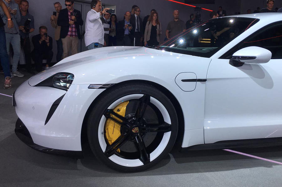 Porsche Taycan 2020 official reveal - alloy wheels