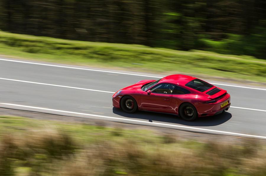 Porsche 911 GTS top profile