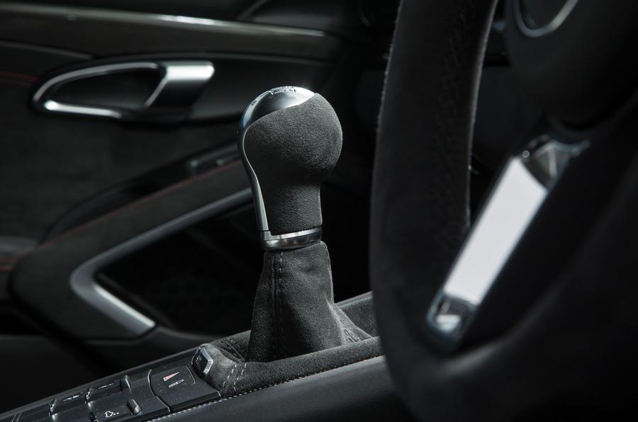Porsche 911 GTS manual gearbox