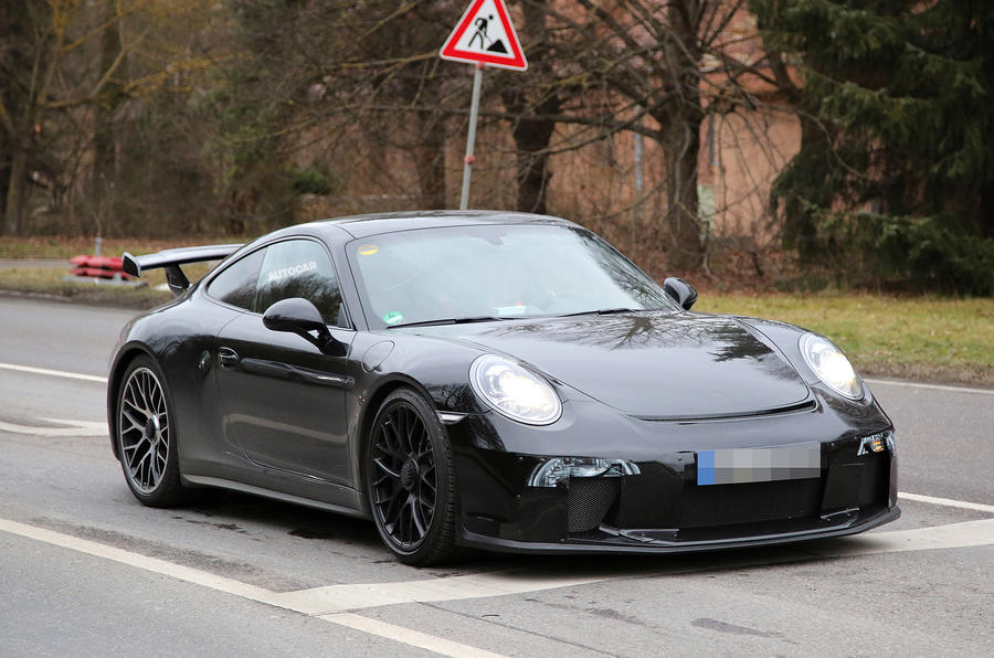 Porsche 911 GT3 spy shots