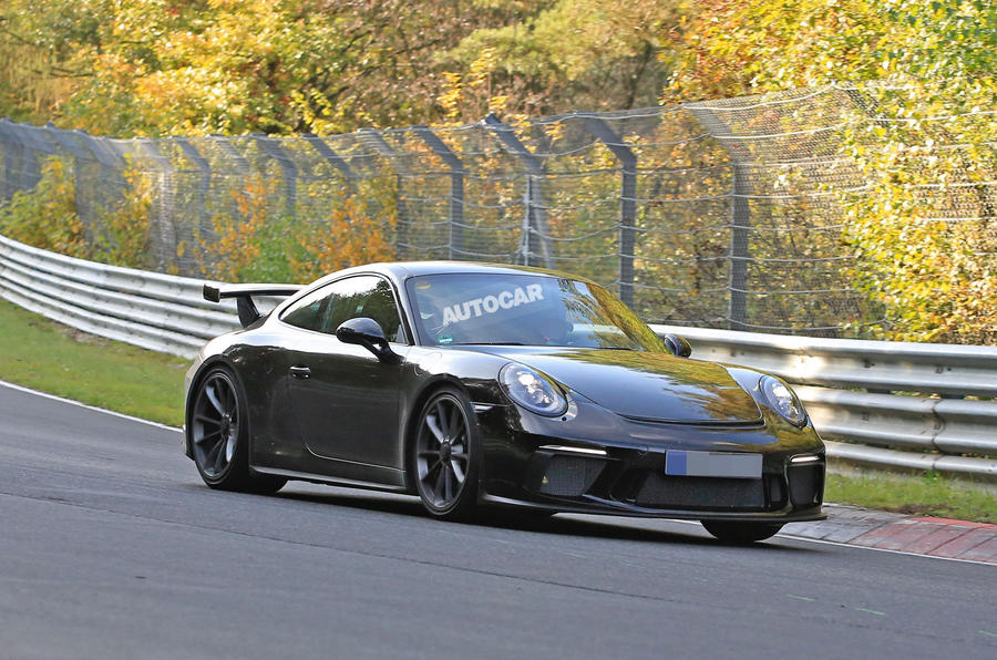 Porsche 911 GT3 facelift spy shots