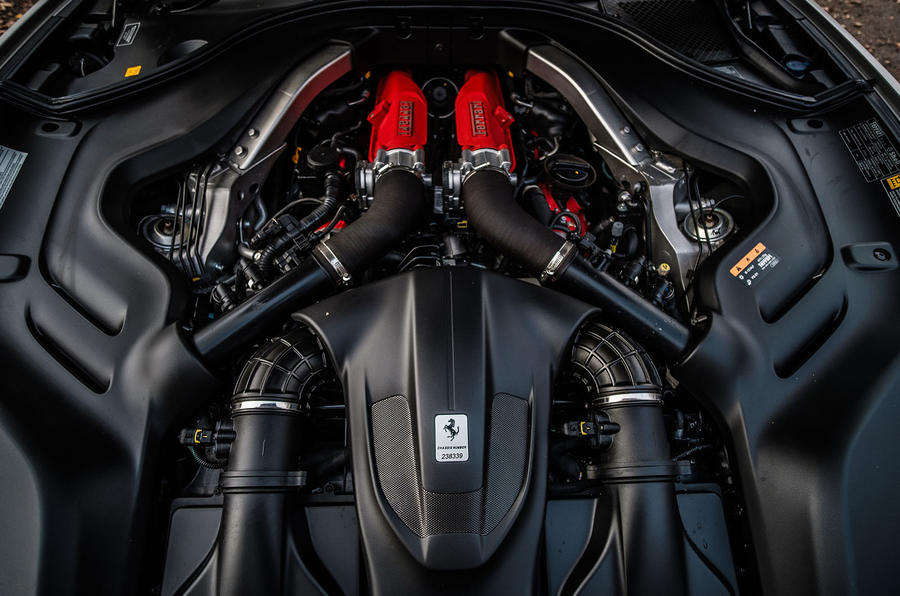 Ferrari Portofino 2018 engine bay