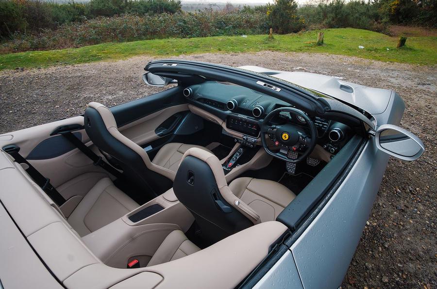 Ferrari Portofino 2018 interior