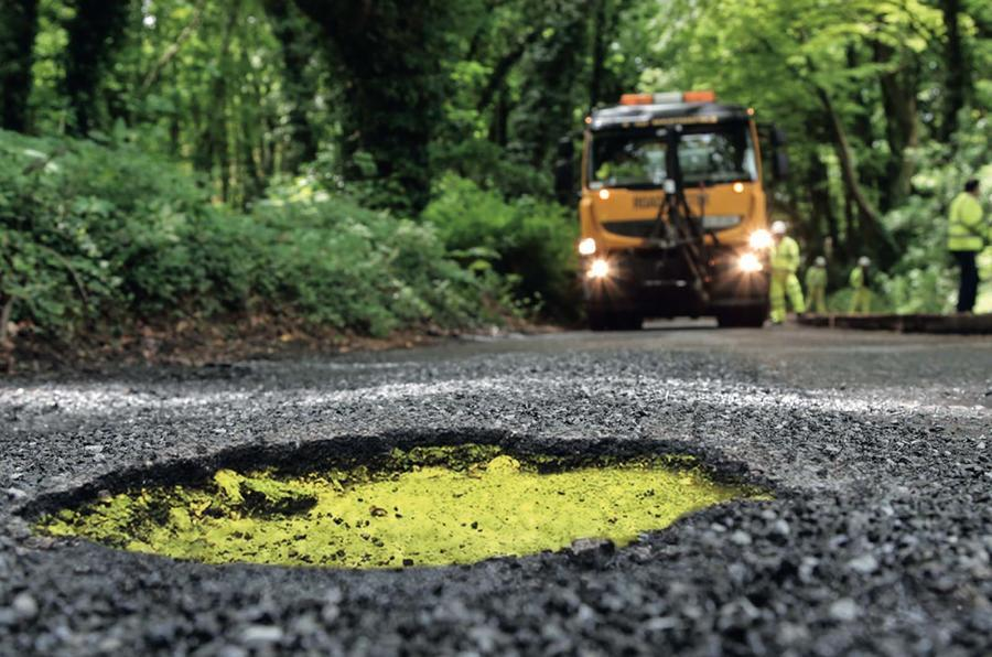 Parliament enquiry into 'pothole plague' begins