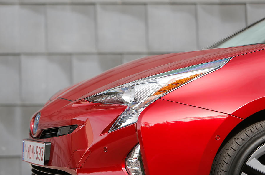 Toyota Prius front headlights