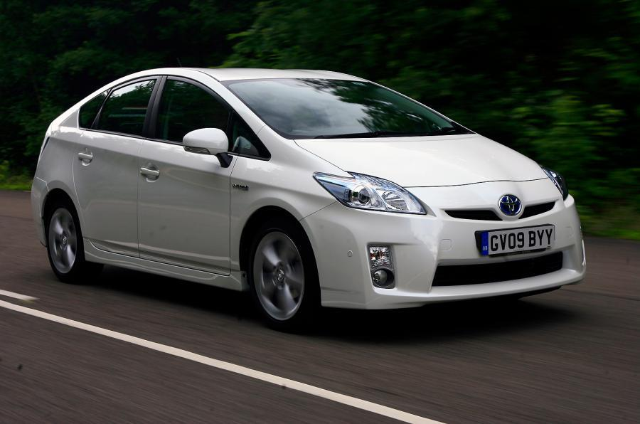 Toyota to recall 55,000 hybrids in UK