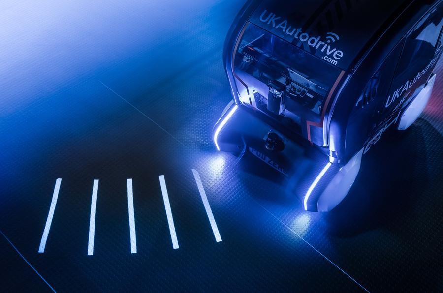 Jaguar Land Rover autonomous vehicles to project direction of travel…
