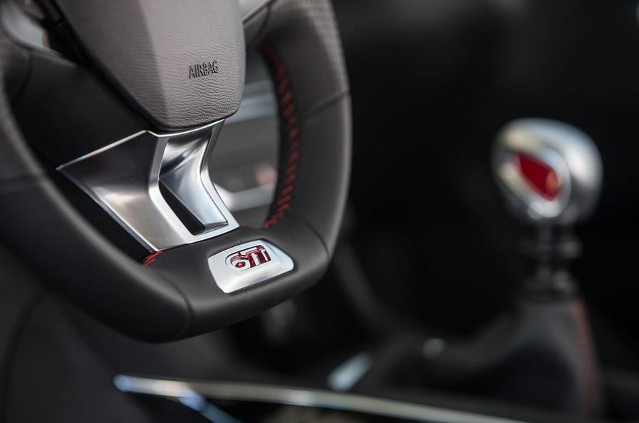 Peugeot 308 GTi steering wheel