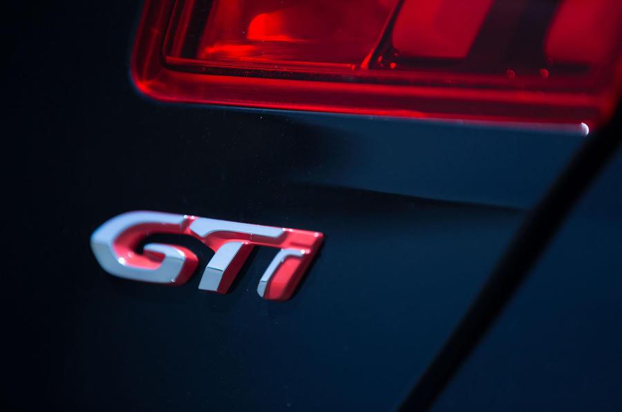 Peugeot 308 GTi badge