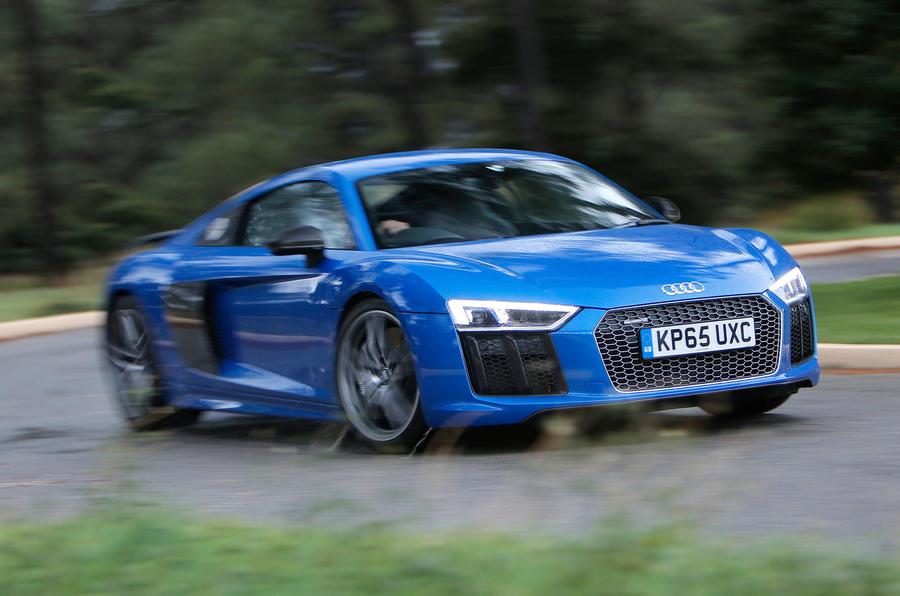 Audi R8 V10 Plus cornering