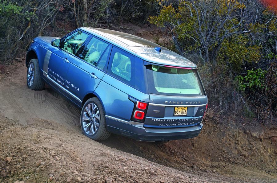 Range Rover P400e PHEV off-roading